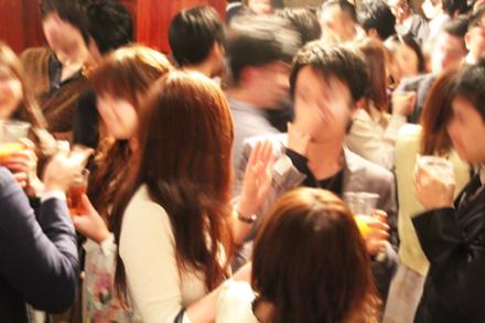 【200名規模】【銀座】誰でも参加しやすい街コン&恋活、友活パーティー★銀座の夜景と東京タワーを眺めながらの高級ラウンジ♪『 銀座ソマールラウンジ9階』開催