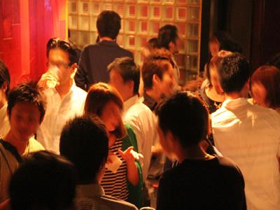 【100名規模】【大阪梅田】誰でも参加しやすい街コン&恋活、友活パーティー★デザイナーズのおしゃれなフロアとゆったりソファーでくつろぎの空間♪『梅田LOGIC』 開催