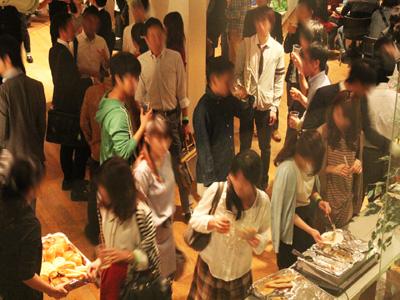 【200名規模】【霞ヶ関】誰でも参加しやすい街コン&恋活、友活パーティー★高い天井と木の温もりあふれる大人の空間♪『カスミガセキ』開催