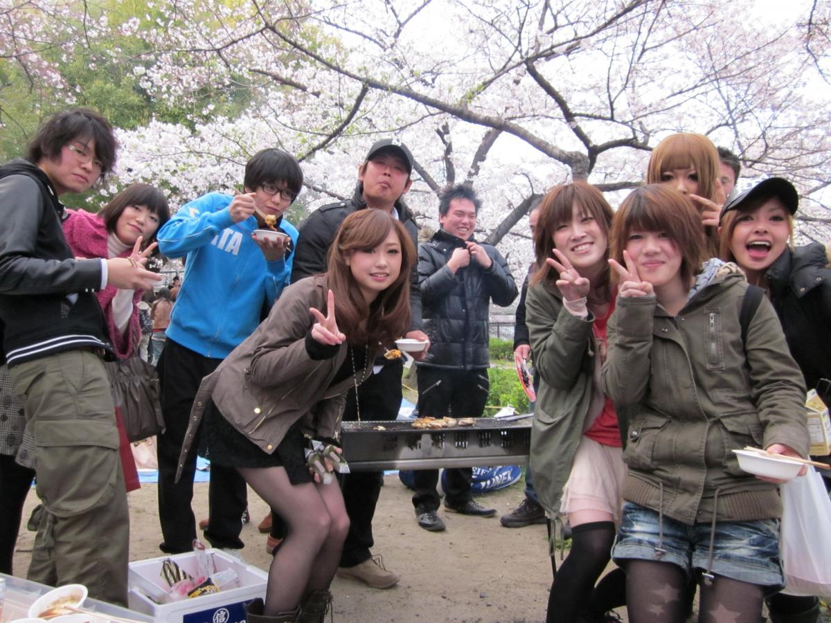 【大阪城公園】【お花見】300名規模♪誰でも参加しやすいお花見BBQパーティー♪気軽に友達や恋人を作りに来てください♪7割の方がお一人で初参加です♪◆